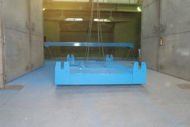 機械架台塗装